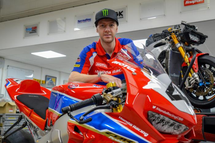 Ian Hutchinson, Hutchy, con su Honda Fireblade